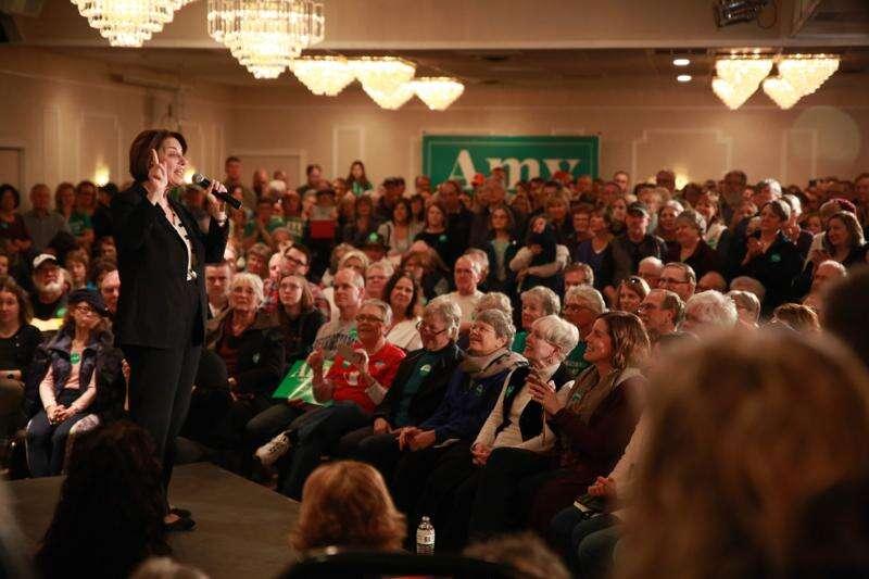 Democrats make final Eastern Iowa sprint before caucuses