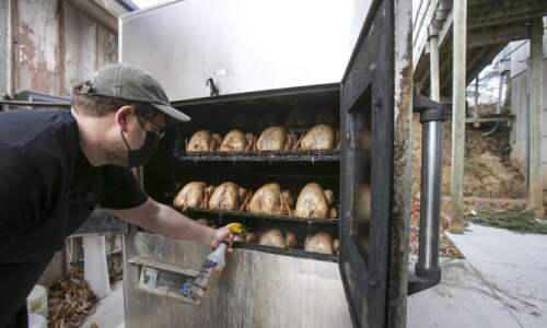 Iowans observe tradition in untraditional ways for Thanksgiving 2020