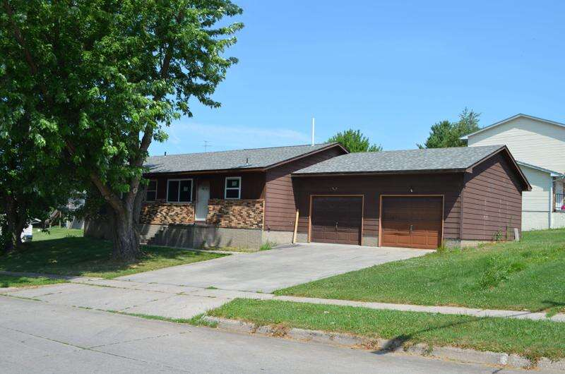 Duplexes for low-income homeownership program in Iowa City