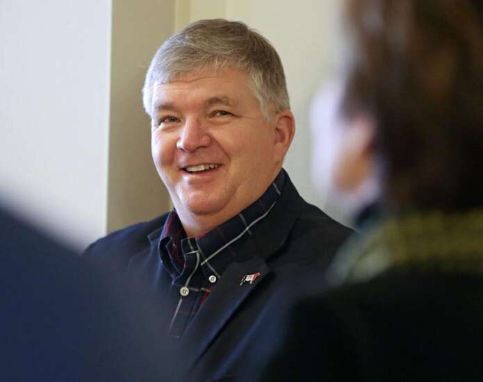 Poll shows Iowa GOP ag secretary race knotted