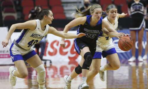 Newell-Fonda sprints past Montezuma in girls' state basketball semifinals