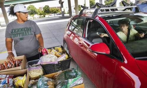 Cedar Rapids woman determined to keep feeding her neighbors after…