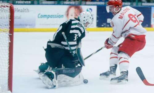 Dubuque sweeps the RoughRiders
