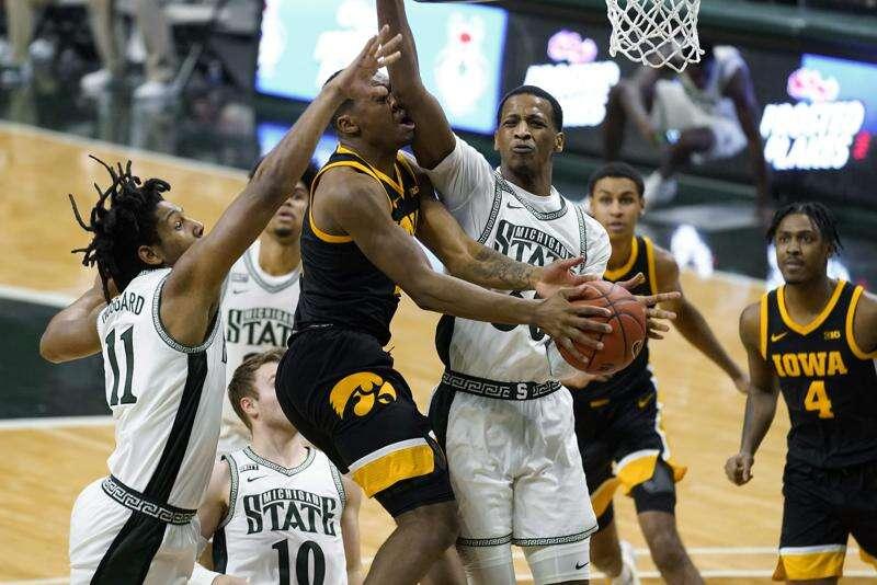 Iowa Hawkeyes 11th in AP men's basketball Top 25