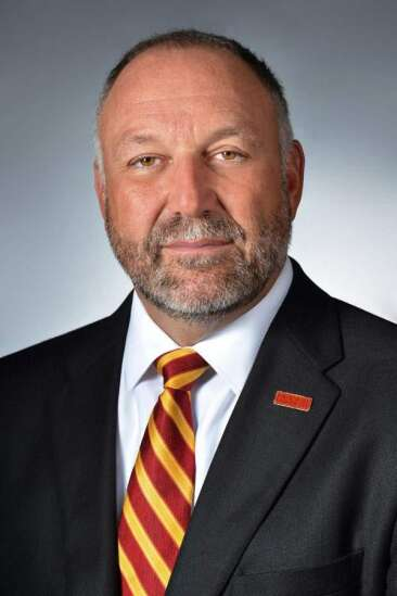 Regents to review President Leath's Iowa State plane use Monday