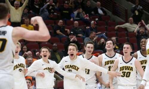 Iowa vs. Wisconsin men's basketball Big Ten tournament glance: Time,…