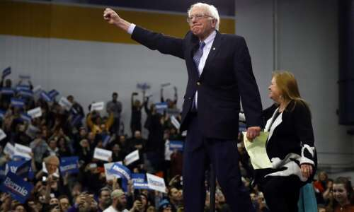 Sanders edges Buttigieg in New Hampshire Primary