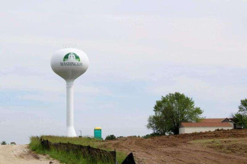 Washington accepts water main bid despite price