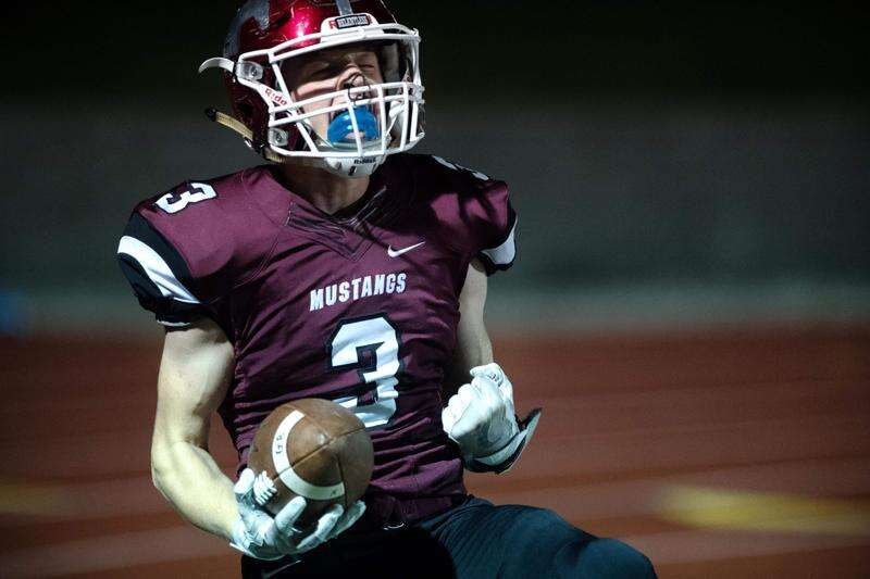 Drew Adams sets a state record; Mount Vernon wins district title