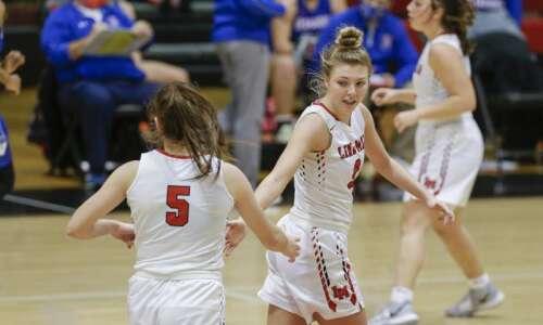 Linn-Mar at Prairie: A true girls' basketball regional tossup