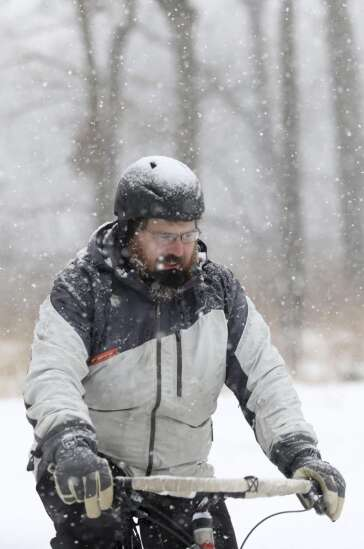 Eastern Iowans greet 2021 outdoors on bikes, skis and snowshoes