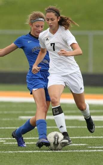 Solon's Josie Durr missing her two favorite sports