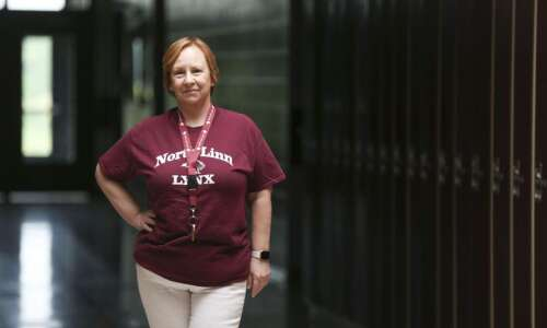 North Linn special education teacher makes career out of service…