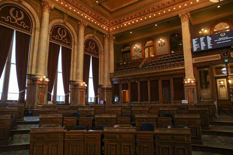 Iowa House approves bills to facilitate broadband, cryptocurrency