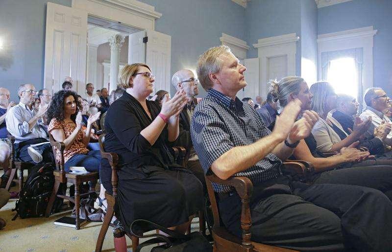 University of Iowa Faculty Senate votes 'no confidence' in Board of Regents