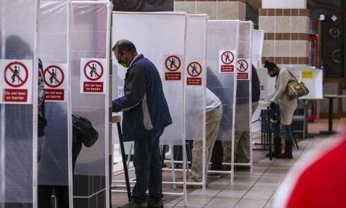 Record voter turnout masks Iowa schism