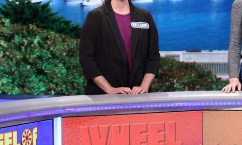 $33,000 isn't bad: Cedar Rapids Wheel of Fortune contestant falls…