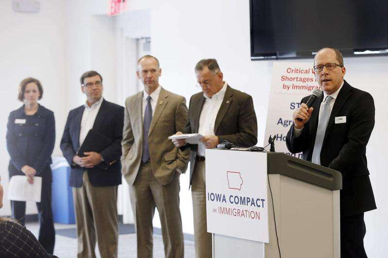 Iowa business leaders call for immigration reform