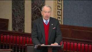 Grassley lavishes praise on Harkin in U.S. Senate tribute