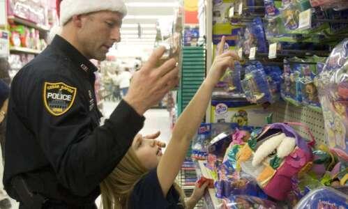 Coronavirus canceled 'Santa Cop,' but Cedar Rapids police still found…