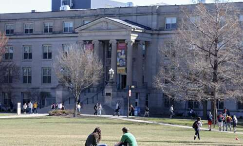 After Iowa State syllabus controversy, legislation would make universities post…