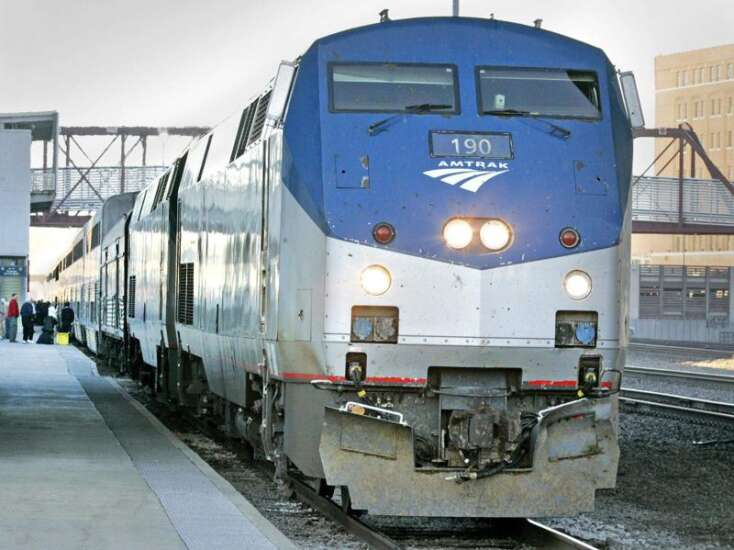 Iowa leaving $53 million for Amtrak service sitting on the track