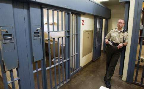 Tours meant to build support for new Johnson County Jail