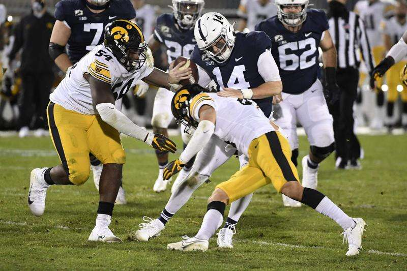 Iowa DT Daviyon Nixon Euro-steps his way to 'amazing' pick-6 against Penn State