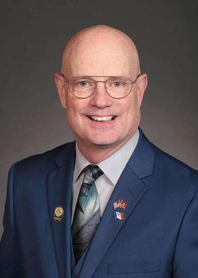 Iowa House votes to ban 'un-American' vaccine passports