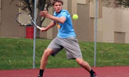 City High's Hoff stands tall on tennis court