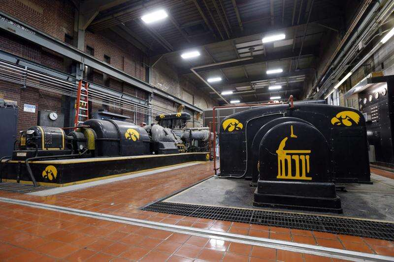 University of Iowa exploring privatizing power