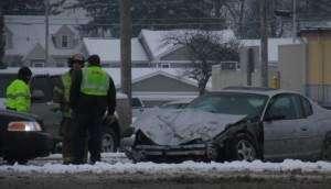 Snow brings several minor crashes, no serious injuries
