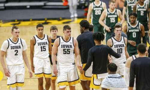 Big week for Iowa men's basketball starts with a close…