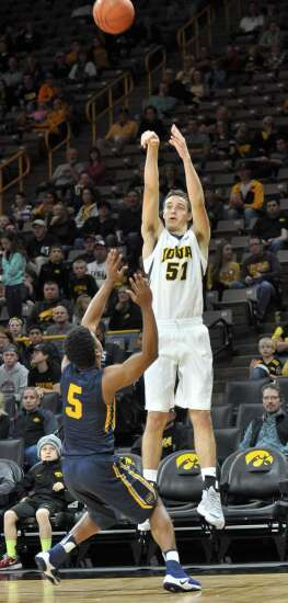 Nicholas Baer vaulted into big role for Hawkeyes