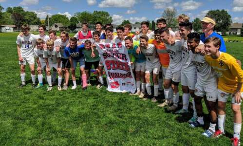 Dubuque Wahlert upsets unbeaten Marion in boys' soccer substate final