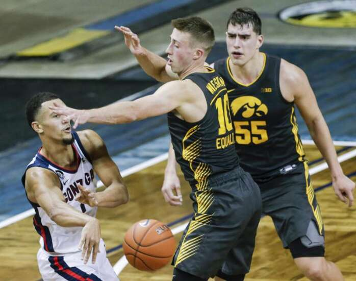 Joe Wieskamp, Luka Garza try to go from 2-way contracts to much more