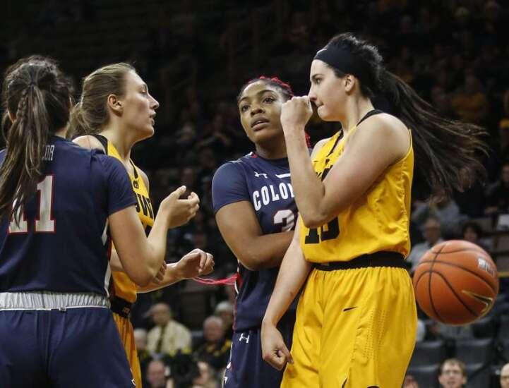 Posts dominate in Iowa women's basketball's win over Robert Morris