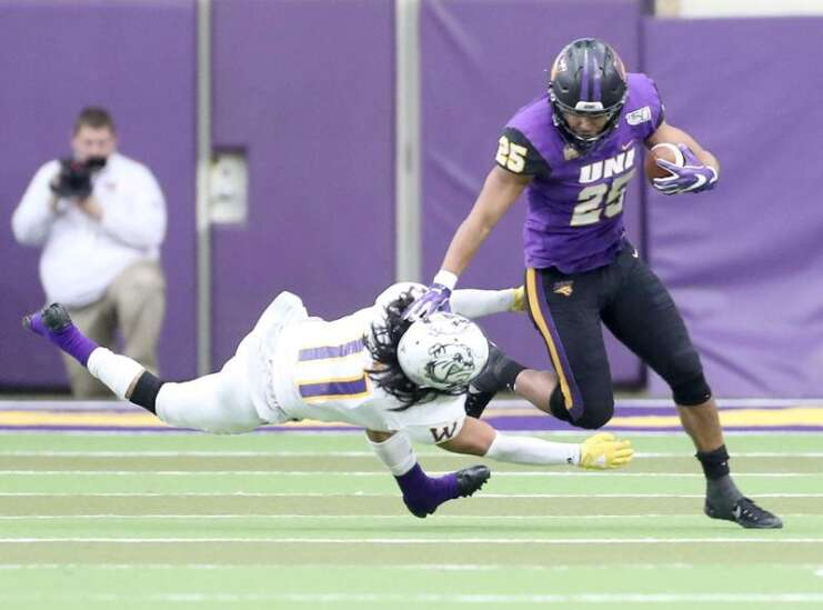 UNI 38, Western Illinois 7: Panthers take care of business and get help in bid for FCS top-8 seed