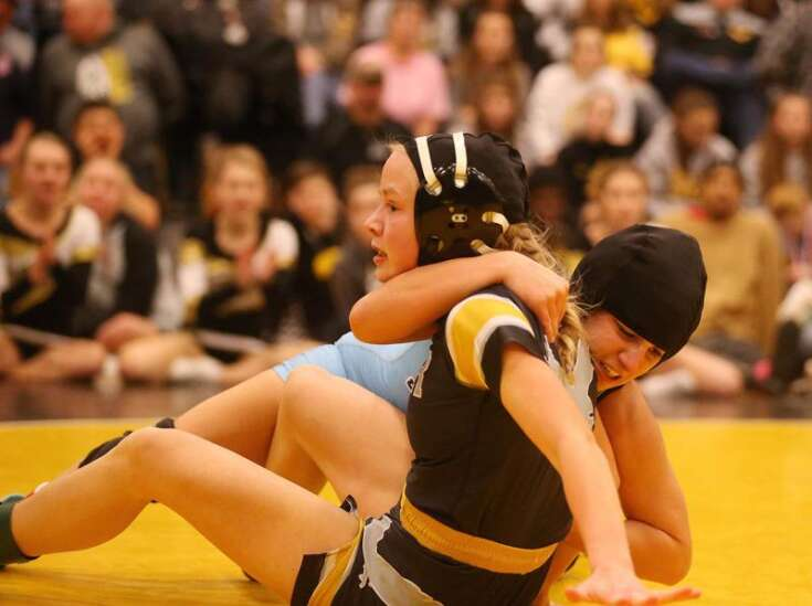 87 wrestlers compete in Iowa's first girls' state tournament: 'This is a great opportunity'
