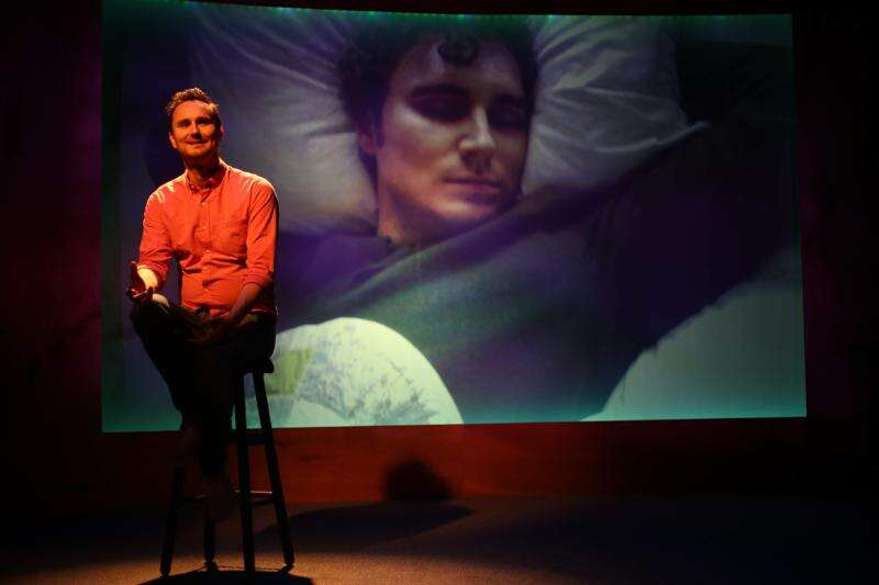 Review: Solo artist finds balance between humor, horror of cancer in Iowa City show