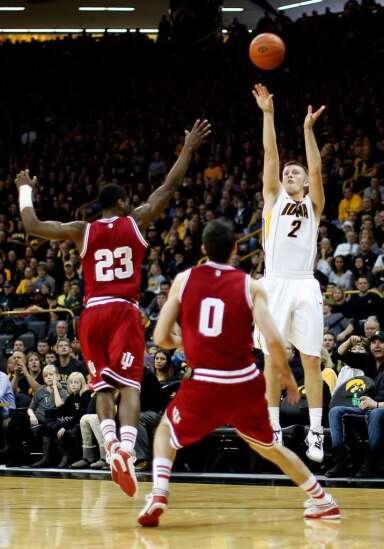 Shooting slump frustrates Iowa's Josh Oglesby