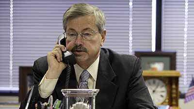Supreme Court's same-sex ruling doesn't warrant impeachment, Branstad says