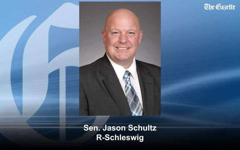 Iowa Senate approves welfare work requirements