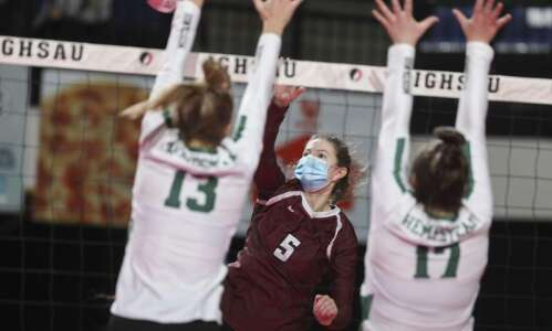 Top-ranked Dowling earns first state volleyball victory since 2013
