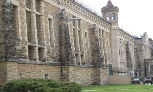 Iowa officials say 77 prisoners got coronavirus vaccine overdoses