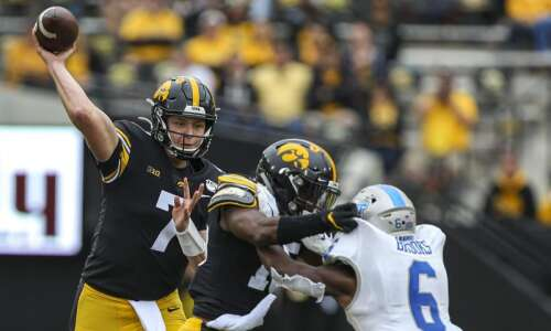 Iowa Hawkeye football season ticket sales continue slide, while other…