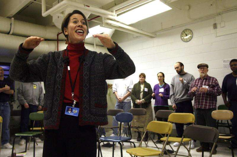 Mary Cohen brings music to prisons