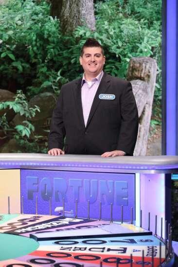 Cedar Rapids man's 'Wheel of Fortune' win includes $37,000, trip to Jamaica