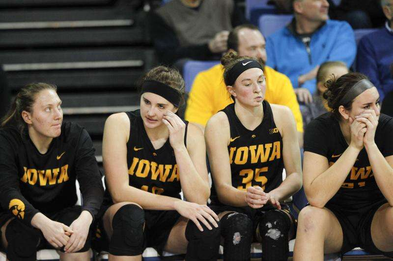 Iowa drops Big Ten women's basketball opener at Illinois