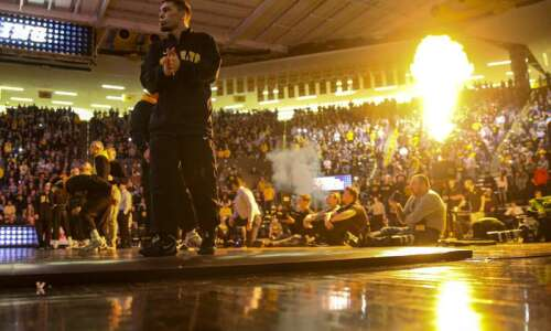 Iowa wrestlers excited to return to mat at HWC Showdown…